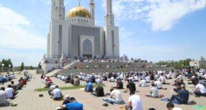 Айт намаз будет читаться на площади во дворе мечети