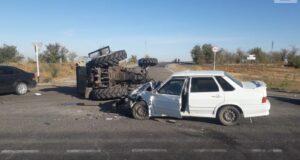Пьяный тракторист въехал в легковой автомобиль